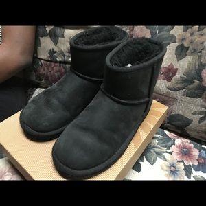 Gently used UGG kids boots